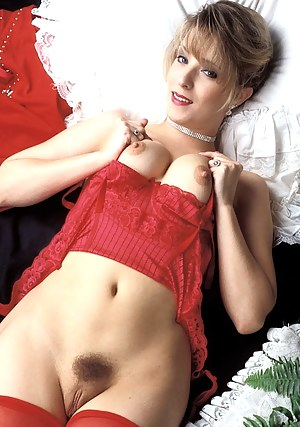 MILF Trimmed Pussy Porn Pictures