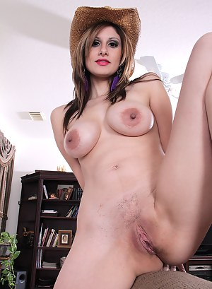 MILF Country Girl Porn Pictures